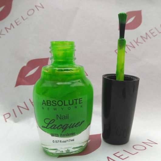 Pinsel des ABSOLUTE NEW YORK Nail Lacquer, Farbe: NFB 36 Green Neon