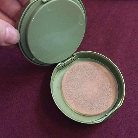 alverde Kompakt Make-up, Farbe: 020 honig-gold Schwamm
