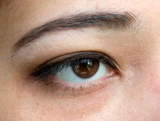 Artdeco Eyeshadow, Farbe: 520 Matt Light Grey Mocha - auf dem Lid aufgetragen