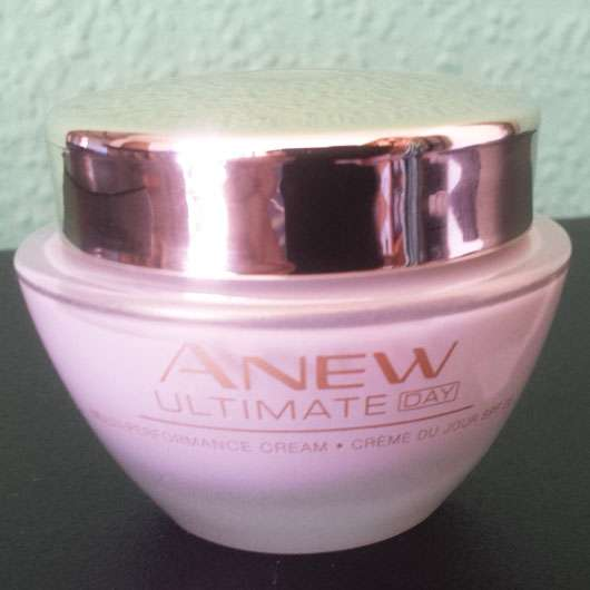 <strong>AVON</strong> ANEW Day Multi-Performance Cream