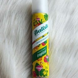 Produktbild zu Batiste Tropical Dry Shampoo