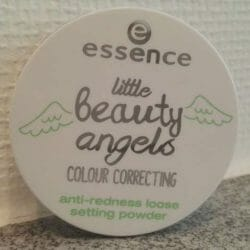 Produktbild zu essence little beauty angels colour correcting anti-redness loose setting powder (LE)