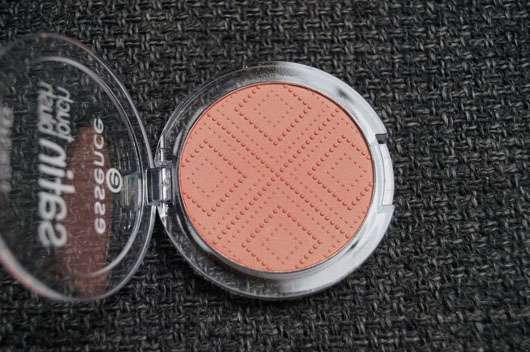 essence satin touch blush, Farbe: 10 satin coral Farbe