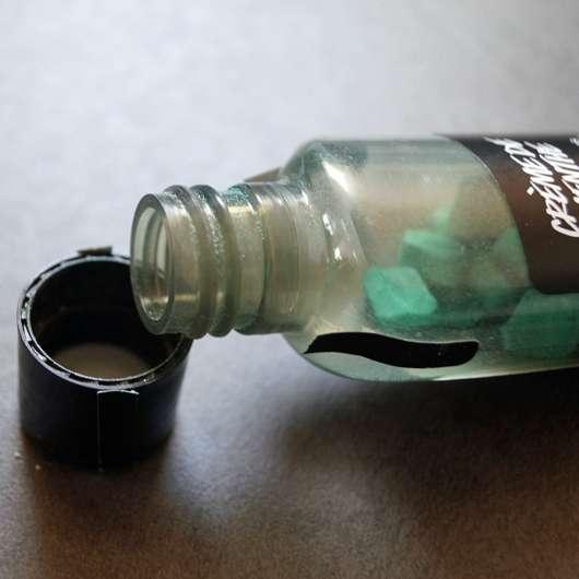 geöffneter Deckel der Flasche der LUSH Crème De Menthe Mouthwash Tabs