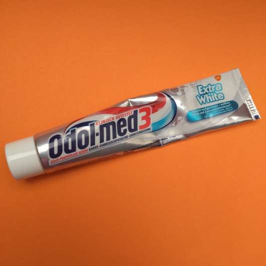 <strong>Odol-med 3</strong> Extra White Zahncreme