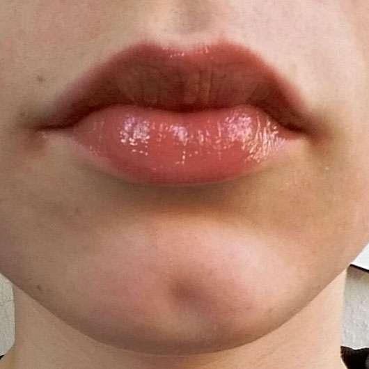 Make up Factory High Shine Lip Gloss, Farbe: 9 Brown Rose - Auf den Lippen aufgetragen