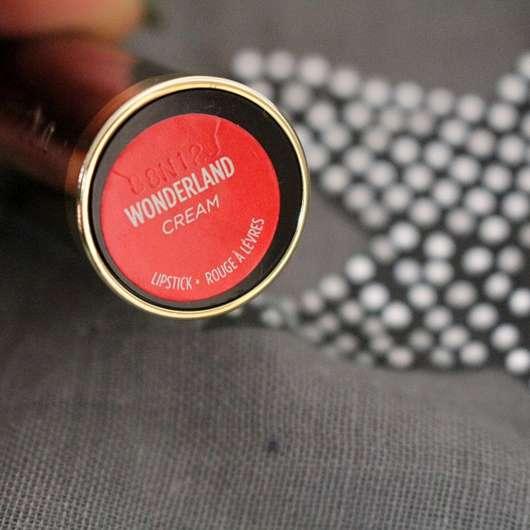 Unterseite der Hülse des Urban Decay VICE Lipstick, Farbe: Wonderland (Cream Finish)