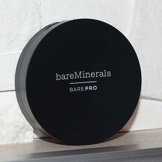 <strong>bareMinerals</strong> Performance Wear Powder Foundation - Farbe: 11 natural