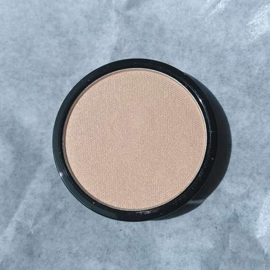 Farbe vom essence live. laugh. celebrate! highlighter powder, Farbe: 01 my special highlight (LE)