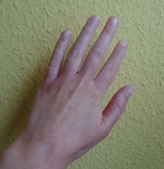alverde Intensiv Handcreme Bio-Granatapfel Bio-Karitébutter Hand eingecremt