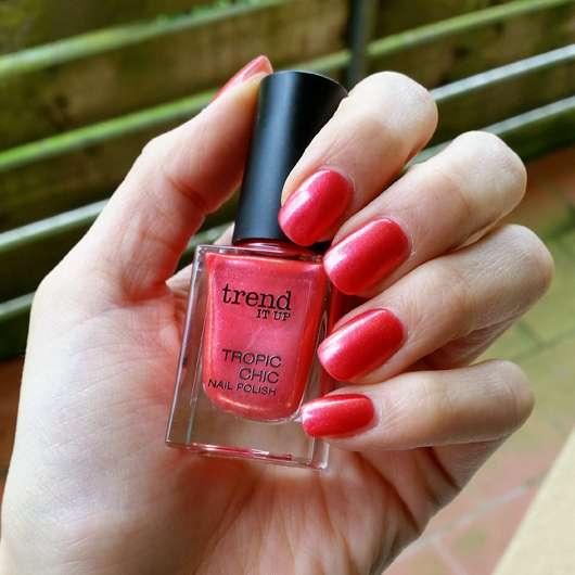 trend IT UP Tropic Chic Nail Polish, Farbe: 010 auf den Nägeln