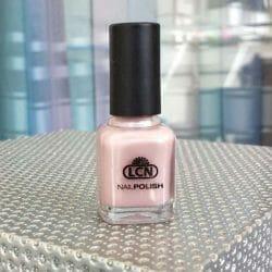 Produktbild zu LCN Nail Polish – Farbe: forever your love (LE)