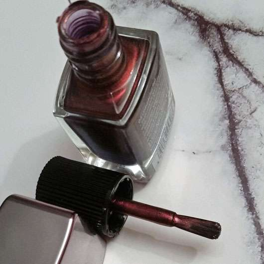 Catrice Chrome Infusion Nail Lacquer, Farbe: 04 Unexpected Red - Pinsel