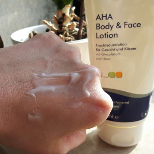 Dermasence AHA Body & Face Lotion Swatch