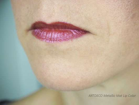 ARTDECO Metallic Lip Color auf den Lippen
