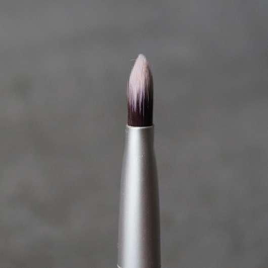 Seitenansicht des benecos Eyeshadow Brush