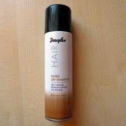 Produktbild zu Douglas Hair Tinted Dry Shampoo – Farbe: Brown Hair
