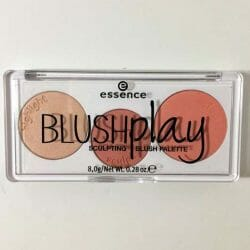 Produktbild zu essence blush play sculpting palette – Farbe: 10 play it peach