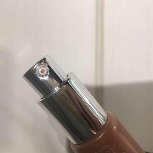 Dosieröffnung - IsaDora Strobing Fluid Highlighter, Farbe: 83 Bronze Glow (LE)