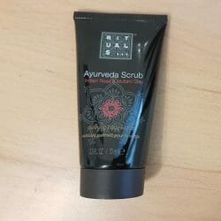 Produktbild zu RITUALS Ayurveda Scrub Indian Rose & Multani Clay Purifying Body Scrub