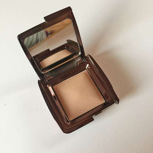 <strong>Hourglass Cosmetics</strong> Ambient Lighting Powder - Farbe: Luminous Light