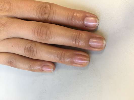 Fingernägel nach dem EInziehen des Misslyn Care - Care Cocktail 3-Phase Nail Oils