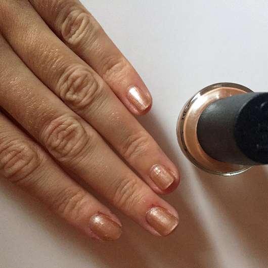OPI Nail Lacquer, Farbe: NL R58 Cosmo-Not Tonight Honey! - Auf den Nägeln