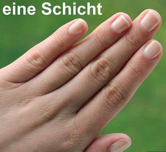 Misslyn Nail Polish, Farbe: 98 White Sensation - Eine Schicht auf den Nägeln