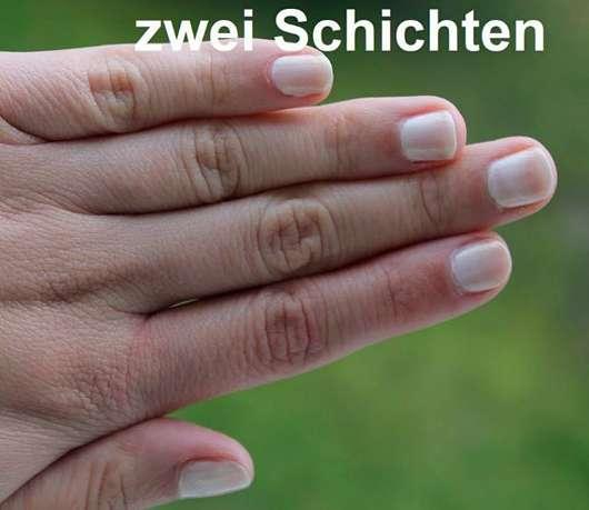 Misslyn Nail Polish, Farbe: 98 White Sensation - Zwei Schichten auf den Nägeln