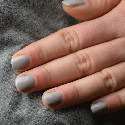 Fingernägel mit Misslyn Nail Polish, Farbe: 435 Pebbles