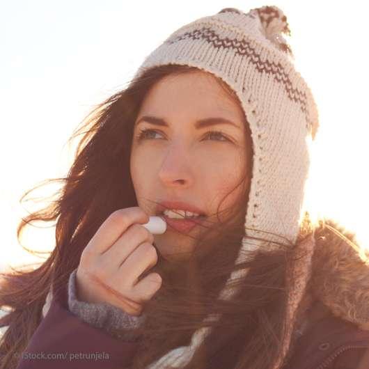 Lippenpflege im Winter: Erste Hilfe gegen spröde Lippen