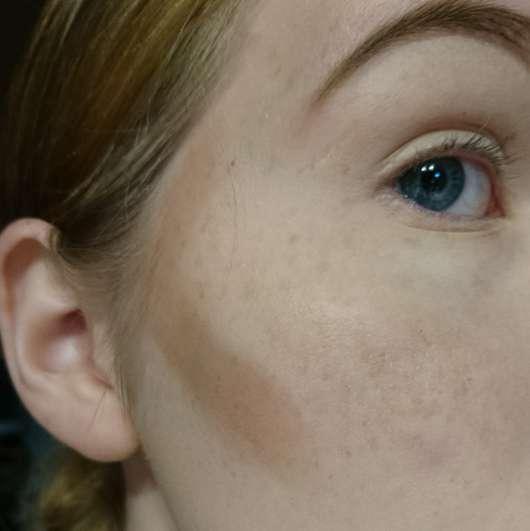 ebelin Professional Make-up Artist Contouring-Pinsel Konturpuder mit Pinsel aufgetragen