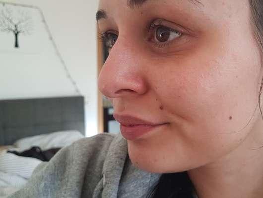 p2 pro beauty prep + fix spray Gesicht mit dem Spray als Base