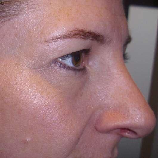 Augenpartie mit eingearbeitetem Concealer