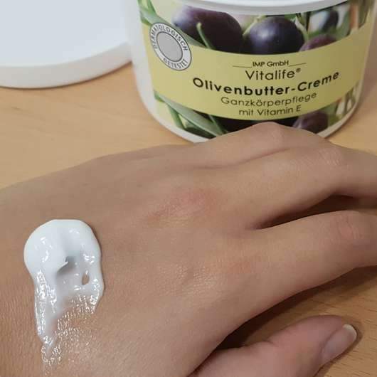 Vitalife Olivenbutter Creme Swatch