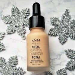 Produktbild zu NYX Total Control Drop Foundation – Farbe: 06 Vanilla