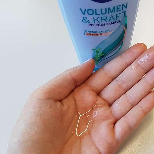 NIVEA Volumen & Kraft Pflegeshampoo Swatch
