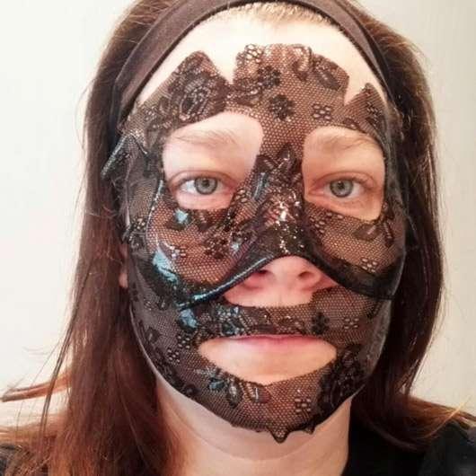 CHIARA AMBRA Straffende Hydrogel Gesichtsmaske - Gesicht mit Maske
