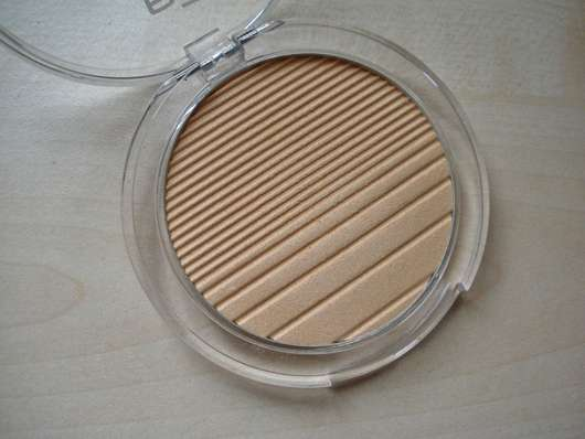 geöffneter Tiegel des p2 4D time to chrome highlighter, Farbe: 030 reflecting brilliance (LE)