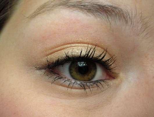 Auge mit Rival de Loop Metallic Eyeshadow, Farbe: 03 honey glow