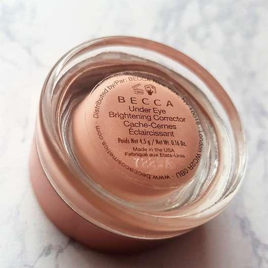 Unterseite des Tiegels - BECCA Cosmetics Under Eye Brightening Corrector, Farbe: Light to Medium