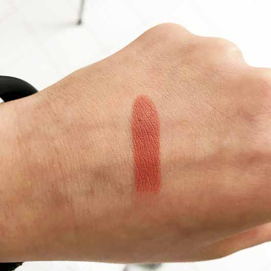 M·A·C Matte Lipstick, Farbe: Kinda Sexy - Swatch