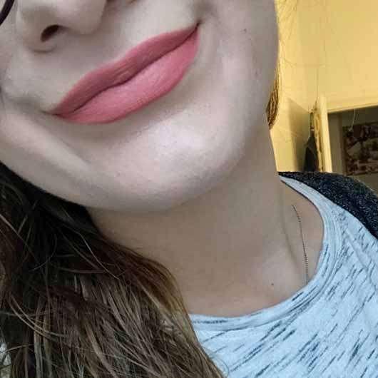 M·A·C Matte Lipstick, Farbe: Kinda Sexy - auf den Lippen