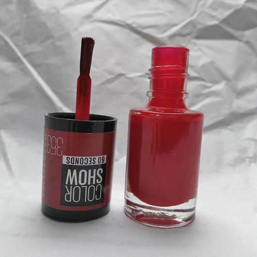 Pinsel des Maybelline Colorshow Nagellack, Farbe: 353 Red