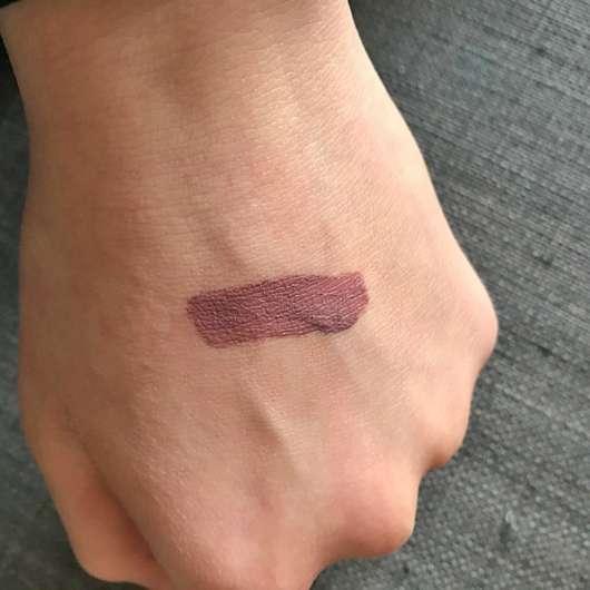 Swatch des NYX Lingerie Liquid Lipstick, Farbe: 02 Embellissement