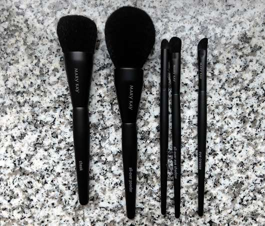 alle Pinsel der Mary Kay Essential Brush Collection