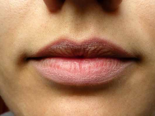 alverde Lipliner Automatic, Farbe: 40 Rosé Delight - Lippen umrandet