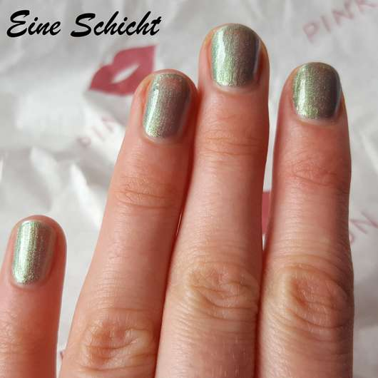 ANNY Nagellack, Farbe: 370.10 miss undercover (LE) - Eine Schicht Lack auf den Nägeln