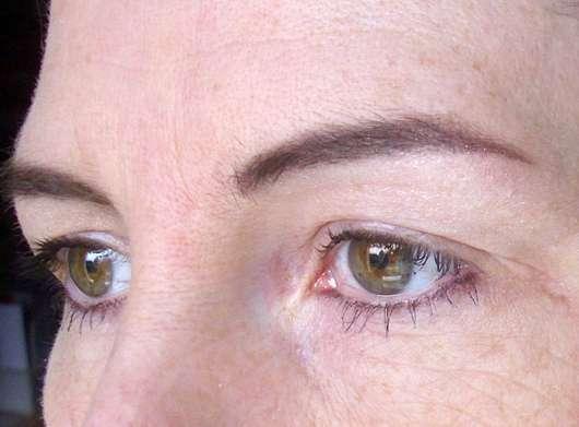 ARTDECO Mineral Eye Styler, Farbe: 95 mineral purple elderberry (LE) - Am Auge aufgetragen