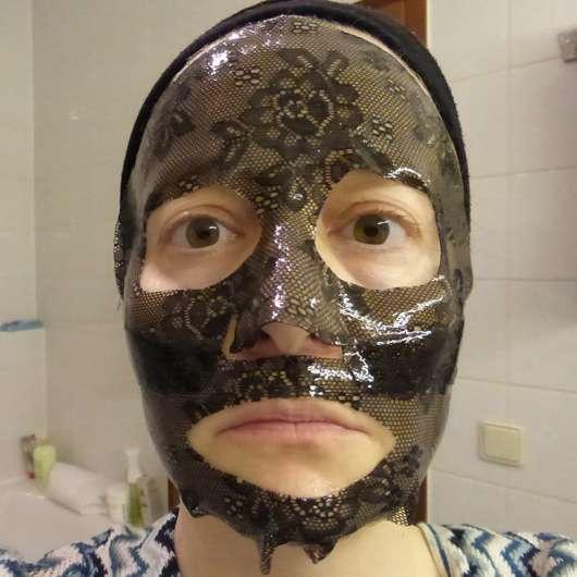 CHIARA AMBRA Straffende Hydrogel Gesichtsmaske auf dem Gesicht